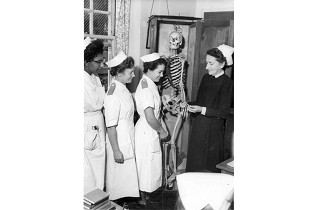 Nurses image from RCN Digital Archive