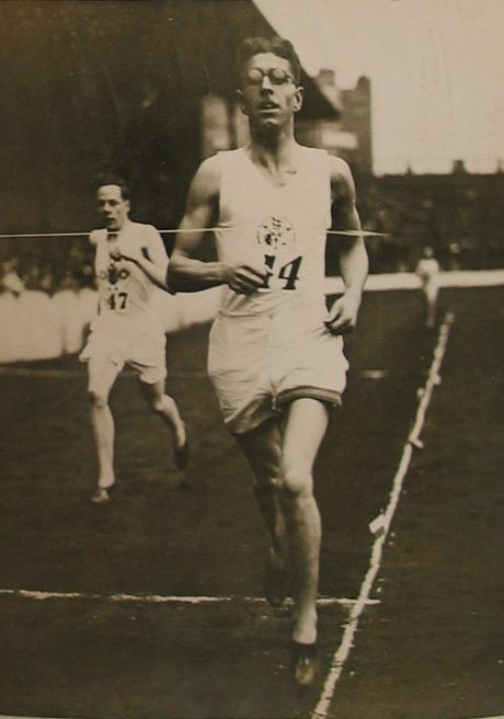 a man running in 1932