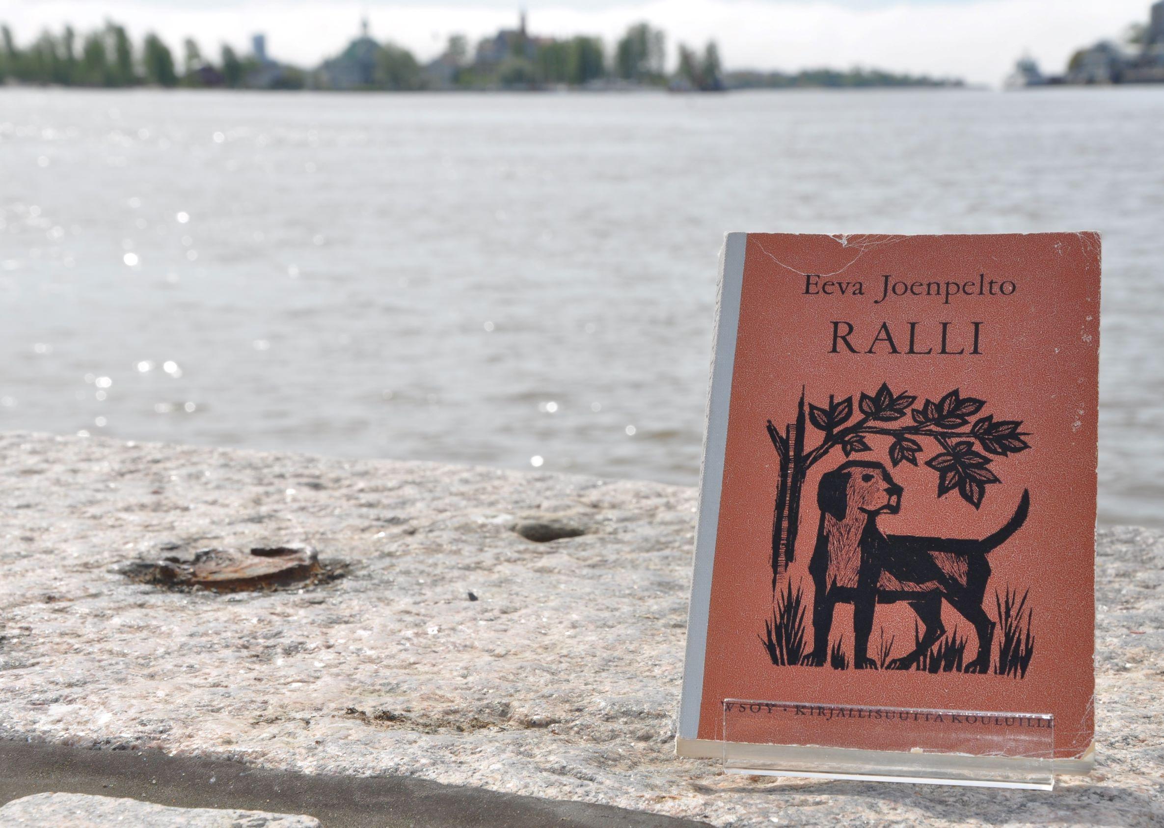 Ralli-kirja rannalla