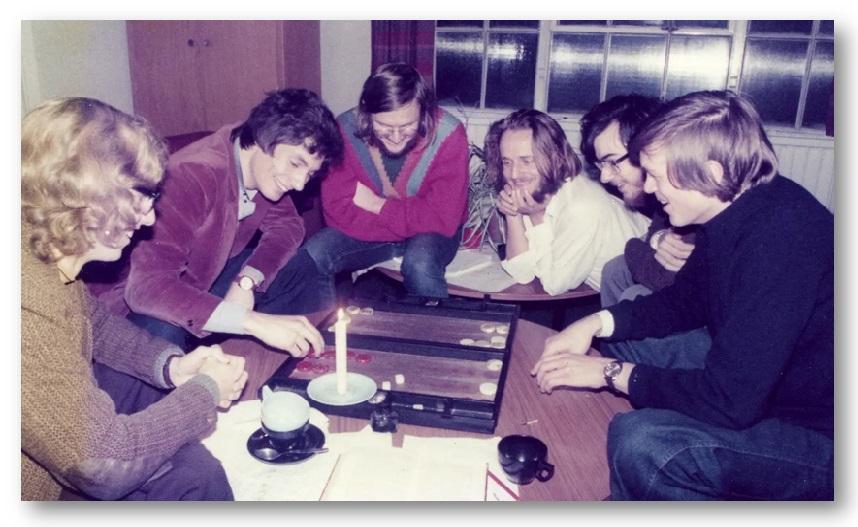 Conway jugando al blackgammon