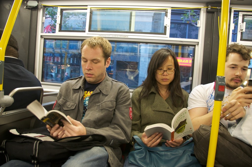 People reading on the bus