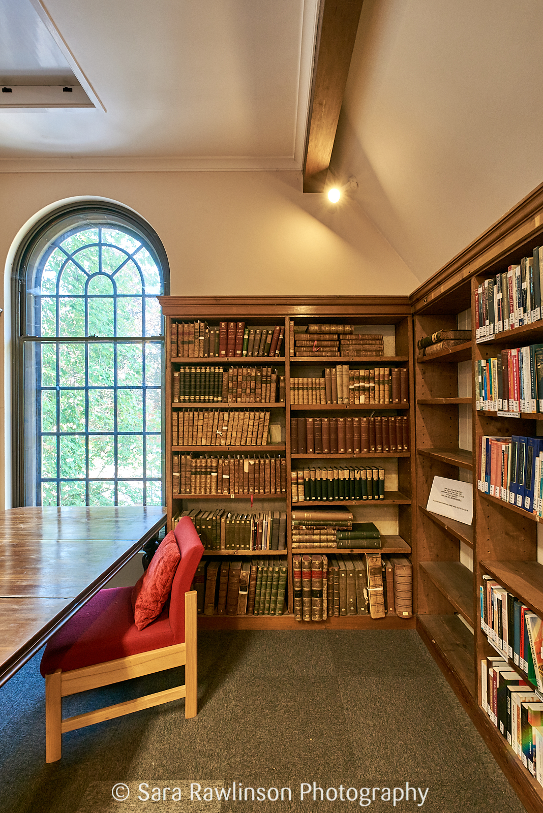 Silent study room in Selwyn College Library