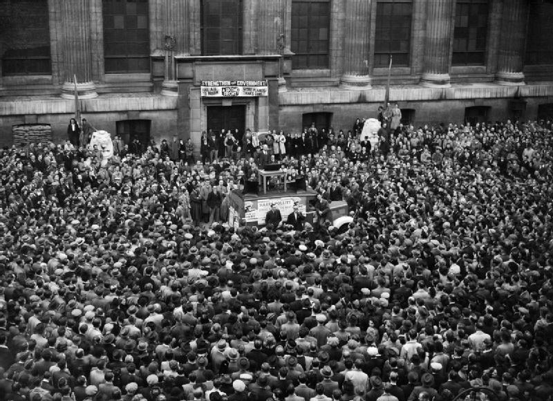Picture frpm 1941 of Harry Pollitt, outside the British Museum making a speech about Aid to Russia